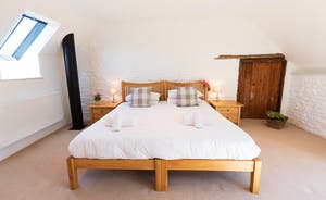 Wagtail Corner, Stonehayes Farm - Bedroom 2 can have 3 single beds or a superking and a single