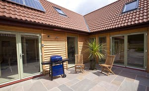 Crowcombe - Plenty of room for dining alfresco - and the convenience of a gas barbecue