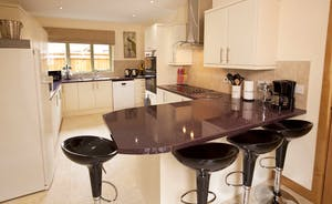 Crowcombe - A well equipped modern kitchen with all you need to cook up a delicous celebration dinner - just bring food!