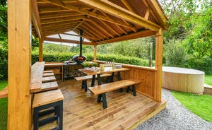 Pitsworthy - Grab a big slice of outdoor living with the outdoor kitchen; it has a cooker that's great for barbecues, pizzas and even smoking your freshly caught trout