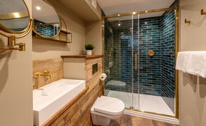 Whimbrels Barton - Snipes Rest has an amazingly styled shower room