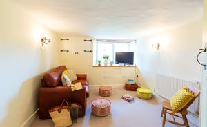 Pippinsands, Stonehayes Farm - The snug makes a great quiet room, or somewhere for children to hang out