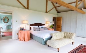 House On The Hill - Bedroom 1: Spacious, graceful - and wait 'til you see the en suite bathroom...