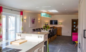 Fuzzy Orchard - A large open plan kitchen/diner makes for great socialising