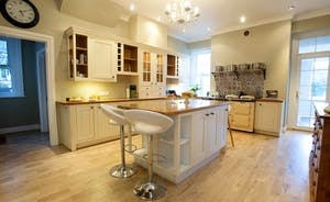 Sandfield House - Everything you need in the spacious kitchen