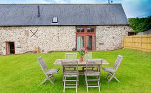 Pipits Retreat, Stonehayes Farm - The cottage has it's own private garden area