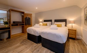 Kingshay Barton - Bedroom 2 (Downclose) sleeps 2 in a superking or twin beds