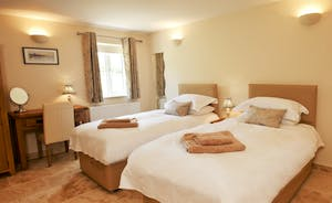 Holemoor Stables: Bedroom 4 can be a super king or twin room, with an en suite shower room