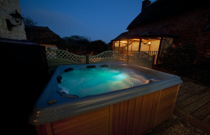 Sleeps 12 with hot tub.original.jpg?ixlib=rails 2.1