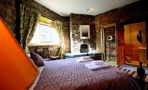 Turret 5 Bedroom - Mahogany
