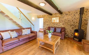 Whinchat Barns - Dippers Rest: Calm and uncluttered; make it yours while you're here