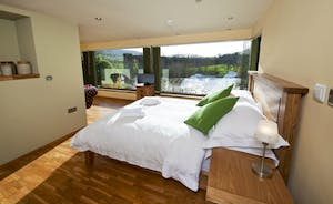 The Benches - Bedroom 6 is in the River View Annexe; there's a small kitchen, an en suite shower room and gorgeous river views