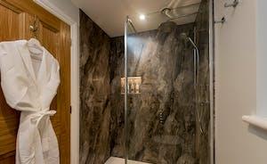 Kingshay Barton - Bedroom 3 (Broadstone) has its own shower room