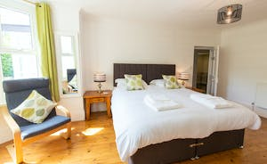 Culmbridge House - Bedroom 5: A fresh modern feel that works well in this Victorian house