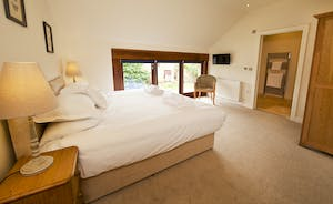 Coat Barn - Bedroom 3 is on the first floor and has an en suite shower room