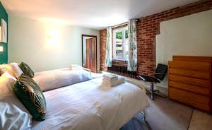 Bedroom 11, GF Twin