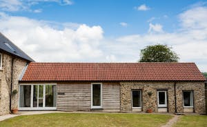 Dippers Rest, Stonehayes Farm - Dog friendly holiday cottage for 6 in Devon