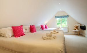 Foxcombe - Bedroom 4 is great for families or for older children; have the beds how you want - two superkings, four singles, or a superking and two singles. The en suite bedroom is divine!
