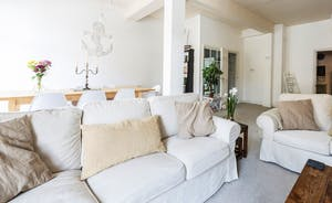The spacious living area is perfect for wedding preparations or family gatherings