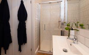 Pigertons - The ensuite shower room for Bedroom 6
