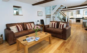 Siskins Nook, Stonehayes Farm: Just put your feet up and relax, enjoy your holiday in the Devon countryside