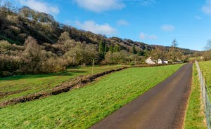 Pitsworthy: A long private drive takes you to this luxury large group holiday house