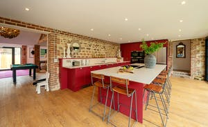 Pigertons - A swish contemporary kitchen with all you need to create a feast for all