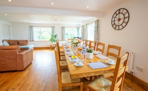 Culmbridge House - Just imagine you all sat round that big table for a happy celebration dinner...