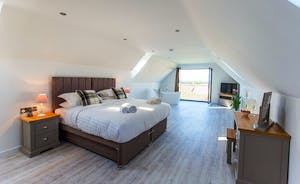 The Granary - Bedroom 8 is on the second floor and can be a super king or a twin room and also has the option to have an extra 2 single beds