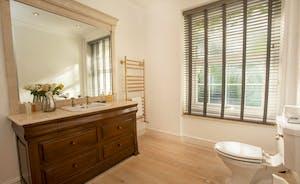 Sandfield House - The en suite shower room for Bedroom 1