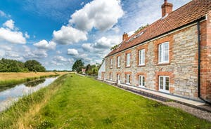 Riverside Cottage with views for miles across the Somerset Levels