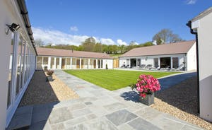 Holemoor Stables - A fabulous property sleeping 18 guests in 9 en suite bedrooms