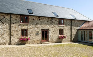 Whinchat Barns - Wagtail Corner: Right next to Dippers Rest; these two holiday cottages sleep 11 people