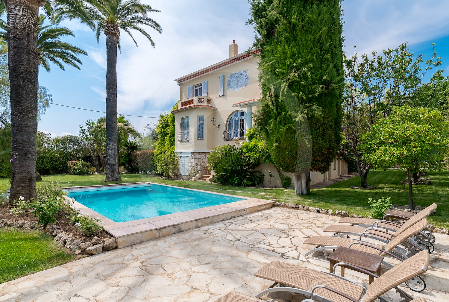 Villa Les Roses | 6 bedroom Villa Holiday Rental in France ...