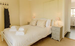 Pound Farm - Bedroom 2: Light and airy, overlooking the front garden