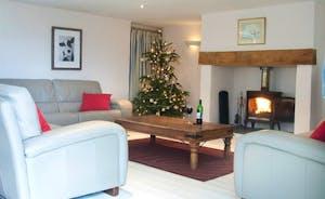 Moo Barn - Living room