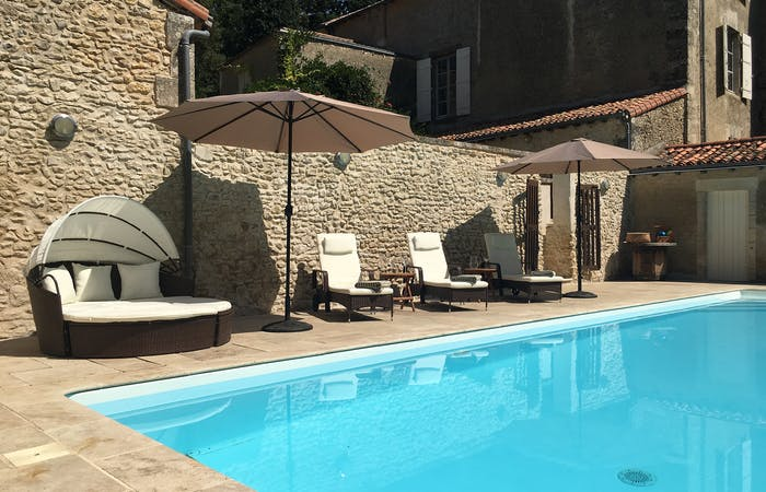 French holiday let for 15 guests with private pool and 23 acres of grounds