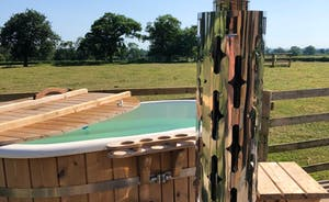 Butterpot: the wood fired hot tub couldn't be better positioned - enjoy the view!