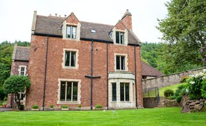 The Old Rectory - An impressive country house sleeping 18 people comfortably