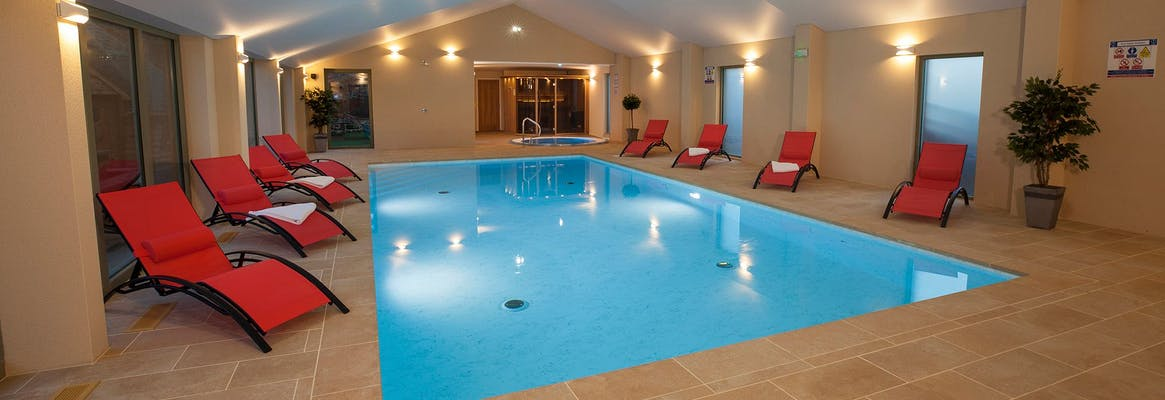 Large holiday homes in the uk with indoor swimming pools - Large holiday homes with swimming pool ...