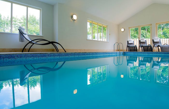 Dog friendly lodge in Somerset sleeping 12 at the foot of the Quantock Hills with indoor pool