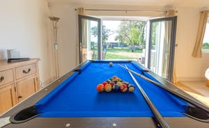 Orchard View - Unwind with a game of pool